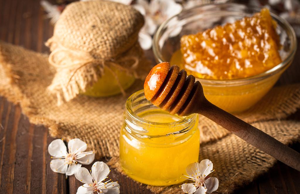 Козметичен масаж с мед